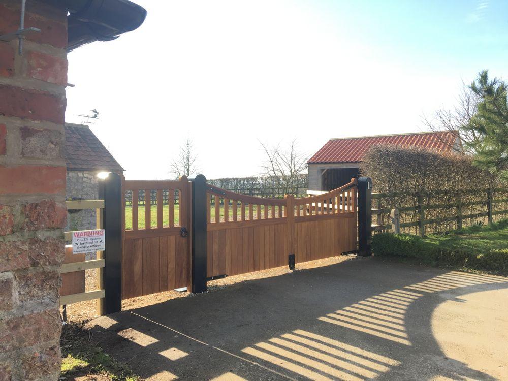 Fryton Gate Range