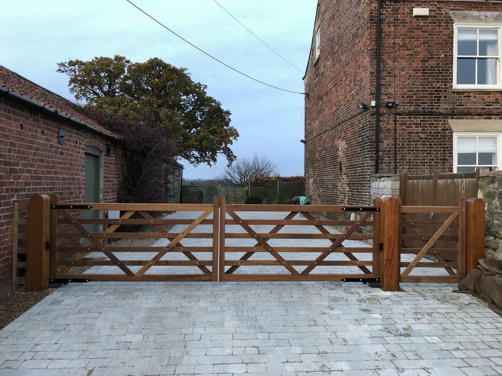 Hardwood 5 Bar Field Gates